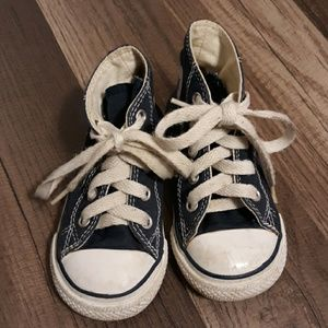 Converse toddler sneakers. Size:6